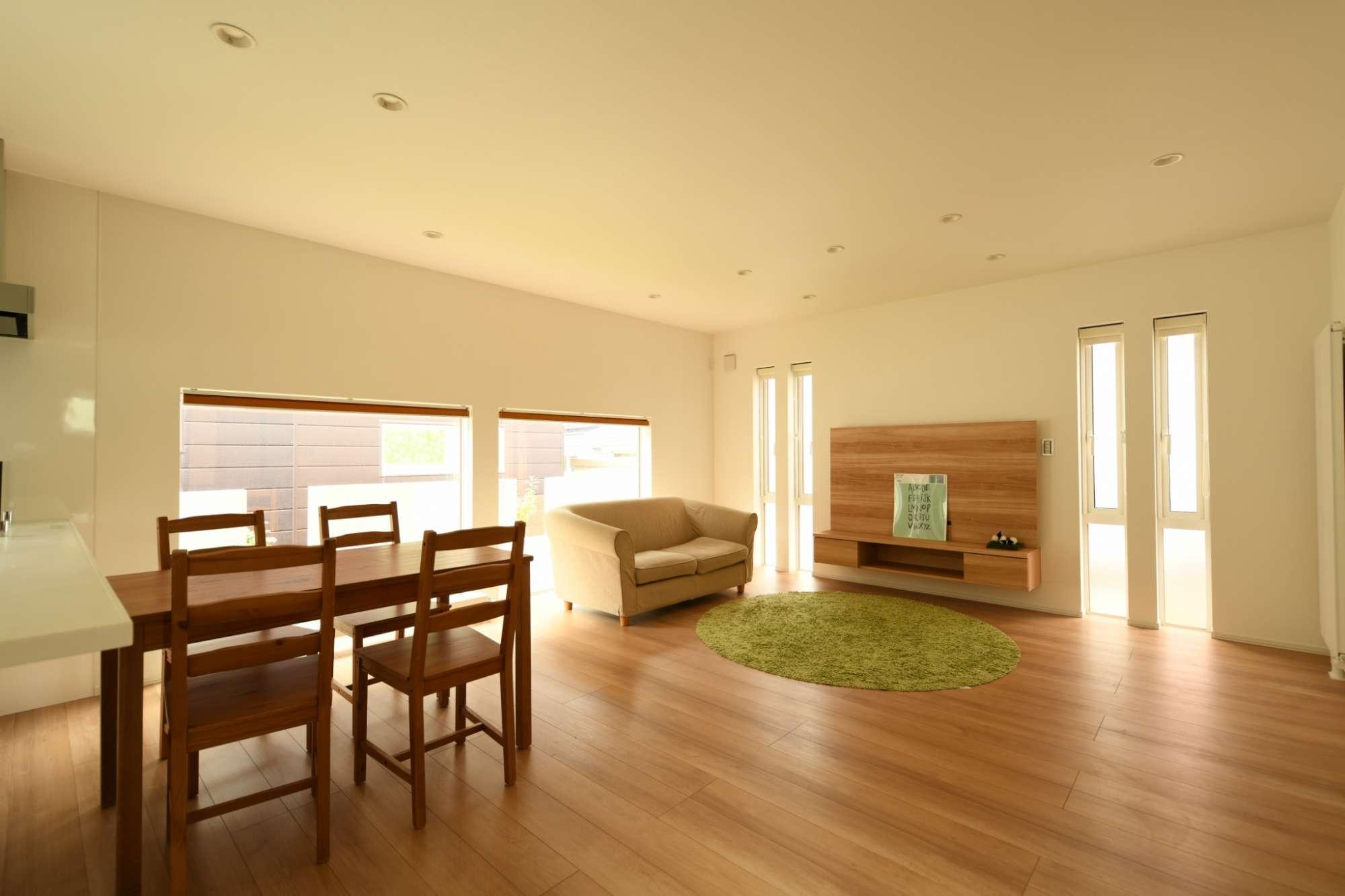 柔らかいベージュの空間がふわりと優しい住まい -